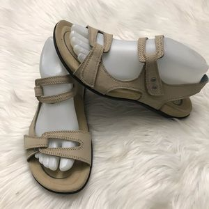 Abeo Crescent Stone Beige Strap Leather Sandals